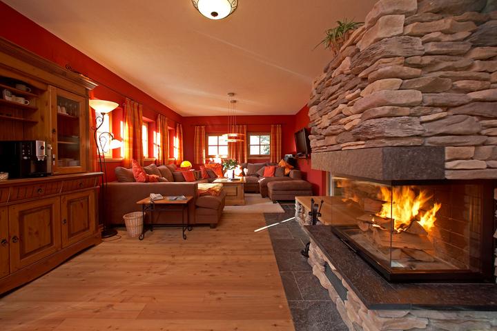 ski chalet in st anton 6 bedrooms jacuzzi hot tub sauna log fire wi fi 2053 allchalets. Black Bedroom Furniture Sets. Home Design Ideas