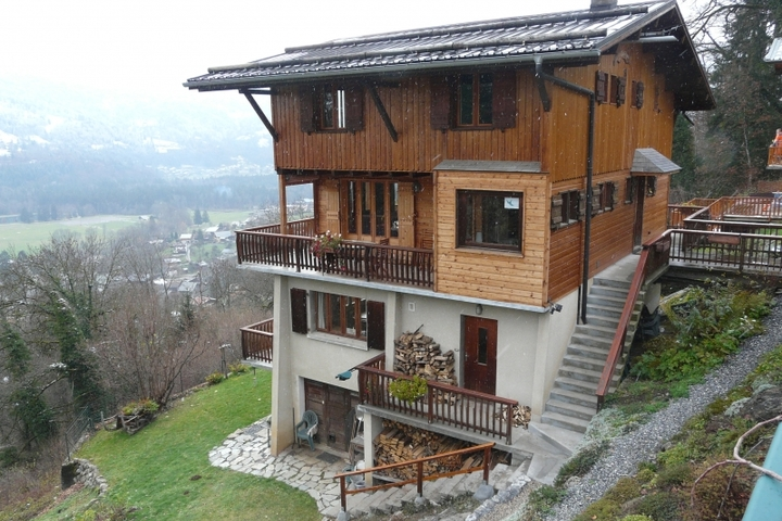 ski chalet in samoens 2 bedrooms wi fi satellite cable tv dvd parking available 2233