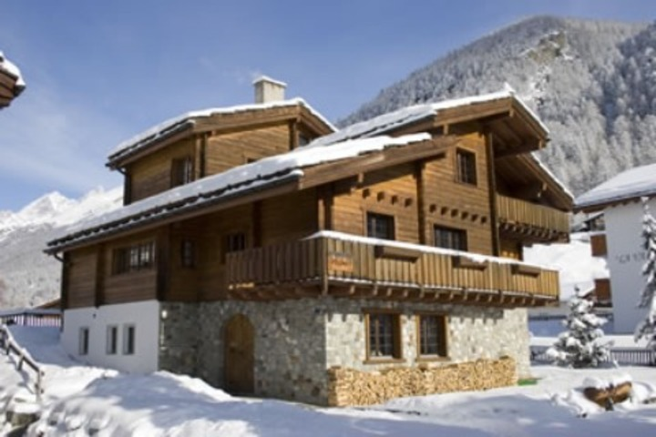 Ski Chalet In Zermatt 4 Bedrooms Jacuzzi Hot Tub Log Fire Wi Fi Airport Transfers Available