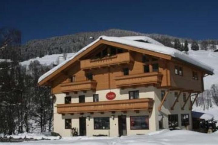 Ski Chalet In Saalbach Hinterglemm 15 Bedrooms Ski In Ski Out