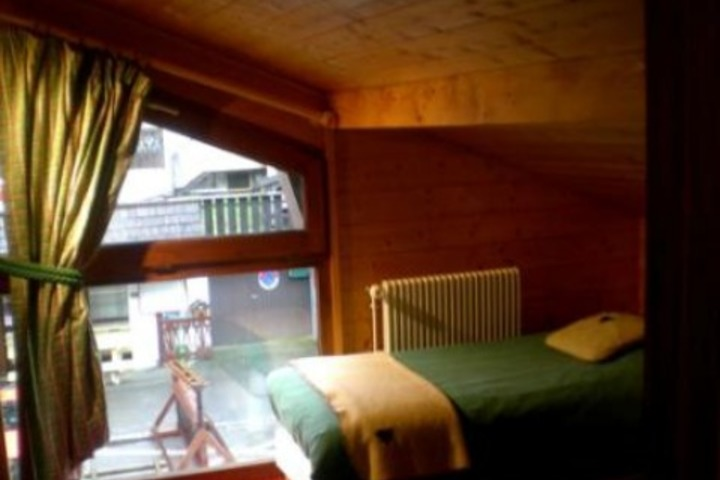 ski chalet in les gets 4 bedrooms wi fi satellite cable tv dvd parking available 2606