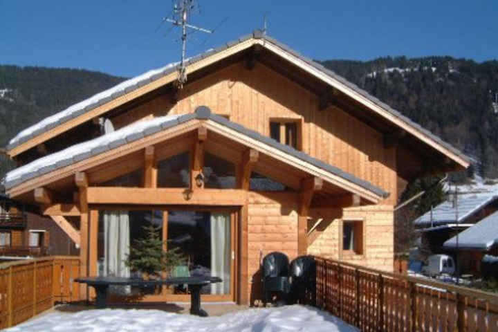 ski chalet in morzine 6 bedrooms wi fi childcare available airport transfers available