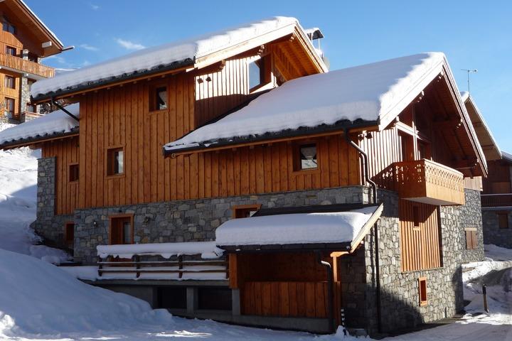 ski chalet in meribel 5 bedrooms ski in ski out log wi fi heated boot room 3676