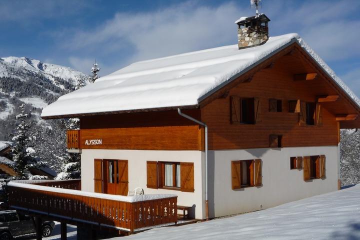 ski chalet in meribel 8 bedrooms sauna log wi fi heated boot room 7318 allchalets