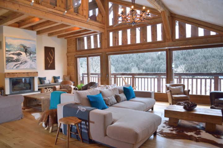 Chalet Cannelle Open Plan Living Area, Fireplace, Mountain views