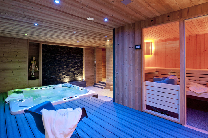 Ski Chalet In La Plagne 5 Bedrooms Jacuzzi Hot Tub