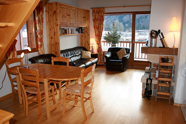 Spacious Self Catering Living and Dining Area | Chez Michelle in Samoens