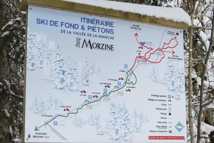 Ski Chalet in Morzine 4 bedrooms Log fire WiFi Satellite