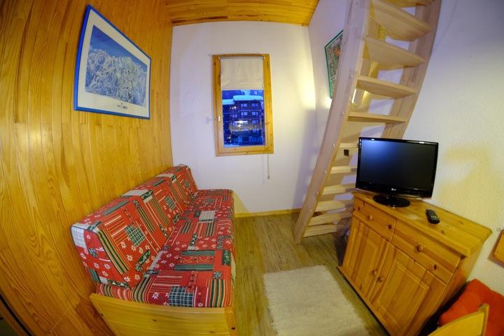 Ski Apartment in Meribel, 2 bedrooms, Ski-in / Ski-out, Wi ...
